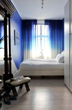 Blue bedroom with ombre curtains Tie Dye Curtains, Ombre Curtains, Blue Curtains, Window Curtains, Velvet Curtains, Decoration Inspiration, Decor Ideas, Blue Rooms, Blue Walls