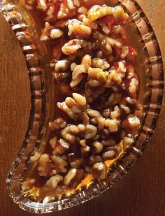 A sweet-gooey topping that lends an essential crunchy texture, wet nuts are perfect on sundaes.