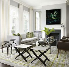 A welcoming, light and airy Living Room. Meet New York and Chicago-based architect and designer Joan Craig of Lichten Craig, and get to know more of her gorgeous interiors!