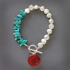 I love the colors and pairing of freshwater pearls with other stones in this bracelet.
