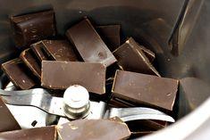 Čokoláda před strouháním Spices, Candy, Chocolate, Food, Thermomix, Spice, Essen, Chocolates, Meals