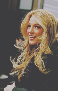long layers + blonde : Blake