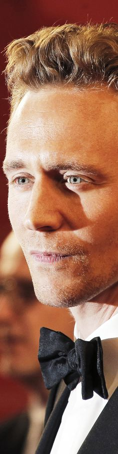 Sigh. That glow. Those eyes. That mouth. That nose. Those cheek bones. :)