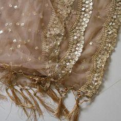 Indian Wedding Dupatta Scallop net embroidered #indiandupatta #bridaldupatta #weddingheadwrap #giftforsister #lehengadupatta #punjabidressscarf #netdupatta #embroideryscarf #embroidereddupattas #neelcreations #partywearchunni #diwaliclothes #mudbrowndupatta