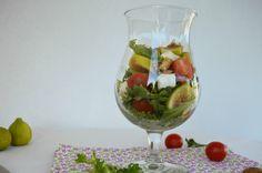Salada de Figos e Queijo Fresco - http://gostinhos.com/salada-de-figos-e-queijo-fresco/