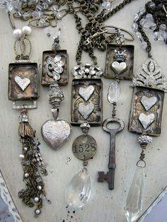 Pretty vintage trinkets