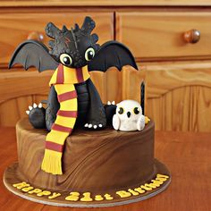 Hedwig & Toothless cake!