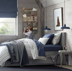 Charmant Navy And Grey Bedroom Of Concrete Wall Home Interior Within Ideas 4