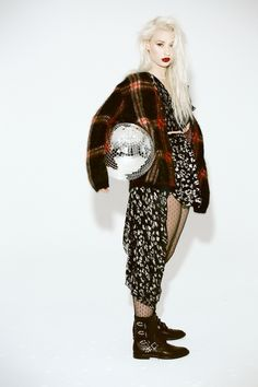 iggy azalea shoot2 Iggy Azaela Stars in Papers October 2013 Cover Story by Harper Smith