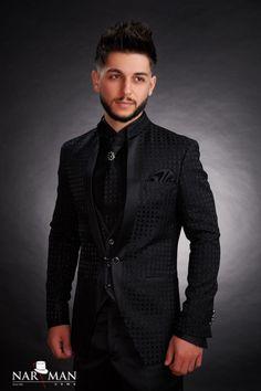 1 new message Boudoir Photography Poses, Groom Shoes, Smoking, Mandarin Collar, Wedding Suits, Men's Shoes, Shoes Men, Tuxedo, Mens Suits