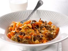 Kokeile jauhelihan seuraksi uuniruokaan raejuustoa sekä tärkkelyspitoista, makeaa bataattia.