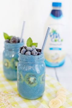 Blueberry Spirulina Protein Smoothie ✅ 5 ingredients (spoiler alert: we're one of them) ✅ 3 easy steps (because it's finally summertime and we are ready to chill) Refresh | Recharge | Relax
