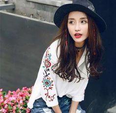 メルカリ商品: 今季スーパー大人気☆彡花柄刺繍ブラウス☆ #メルカリ