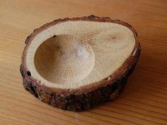 small stump wood bowl --- omg, it looks like an avocadooooo! :D