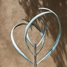 BLOOMING LILY 3 - VERDI PATINA - Mark White, kinetic sculpture