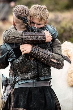 ☆ Bjorn and and Ragnar Lothbrok on Vikings , great tv, father and son, hugg… Vikings Tv Show, Ragnar Vikings, Vikings Travis Fimmel, Vikings Tv Series, Viking Berserker, Viking Life, Viking Warrior, Viking Shop, Viking Woman