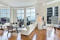 Dolly Lenz New York Listing 250 EAST 49TH STREET, PENTHOUSE MANHATTAN NY. #apartment #newyork #penthouse #interiors #interiorlovers #interiordesign #minimal #design #luxuryhomes #luxuryfurniture #luxury #realestate #livingroom #livingroomdecor