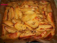 Las *patatas asadas* más ricas y famosas de Grecia, asadas al horno con limón, aceite, orégano... Quedan doraditas y con un sabor delicioso.