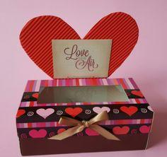 Caja para 2 cupcakes. Cupcake box Handmade Valentine's day