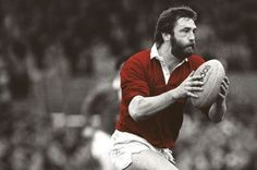 Ray Gravell was one of a kind Welsh Rugby Team, Irish Rugby, Rugby Pictures, Learn Welsh, Millennium Stadium, British And Irish Lions, Wales Rugby, International Rugby, Six Nations