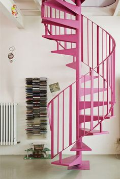 I SOOO want stairs like this in my house someday, pink not required...but it's a fun idea :)