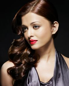Aishwarya Rai (b. 1 November 1973 to a Bunt family in Mangalore, Karnataka) is… Indian Film Actress, Beautiful Indian Actress, Beautiful Actresses, Indian Actresses, Actress Aishwarya Rai, Aishwarya Rai Bachchan, Bollywood Actress, Indian Bollywood, Mangalore