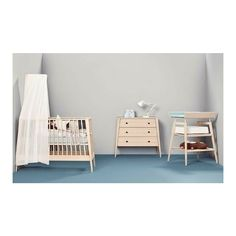 Simple and stunning!! What do you think about this modern nursery? Linea by Leander @leanderfurniture @danish_by_design