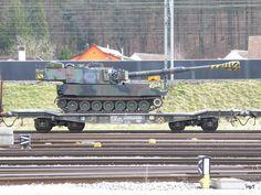 SBB - Güterwagen Typ Slmmnps-y 33 85 463 2 im Güterbahnhof Biel am Rolling Stock, Military Police, Panzer, Swiss Army, Military Vehicles, Switzerland, Weapons, Germany, Train