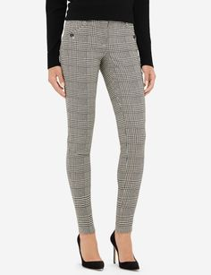 A skinny leg with a houndstooth print elevates your office look with on-trend flair. Our amazing Exact Stretch fabric flexes to fit all shapes, and is consistently top rated by our customers.