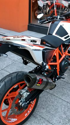 Ktm 690, Ktm Duke, Dryers, Scrambler, Custom Bikes, Cool Bikes, Cars And Motorcycles, Motorbikes, Electric