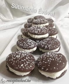 Web Confectionery – For homemade cake lovers – Pastry World Oreo Cupcakes, Hungarian Recipes, Whoopie Pies, Homemade Cakes, Winter Food, Confectionery, Cookie Recipes, Food And Drink, Snacks