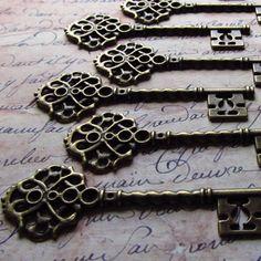Fairlie Antique Bronze/Brass Skeleton Key