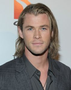 My new boyfriend looks just like Chris Hemsworth!