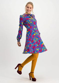 Dresses With Sleeves, Retro, Long Sleeve, Fashion, Moda, Sleeve Dresses, Long Dress Patterns, Fashion Styles, Gowns With Sleeves