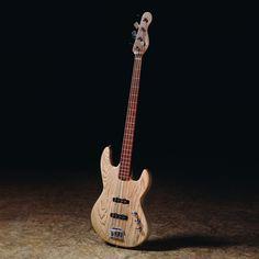 Bass Wood - Elektrická basgitara - Barbtone elektrická basgitara v prírodnej farbe so zvýraznenou štruktúrou dreva na tele.