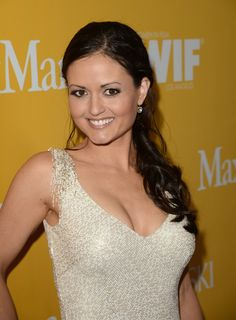 Danica Mckellar is an American actress, film director, academic, book author and education advocate. She is best known for her role as Winnie Cooper in the television show. Winnie Cooper, Danica Mckellar, Hottest Female Celebrities, Beautiful Celebrities, Beautiful Actresses, Bombshell Beauty, First Girl, Dancing With The Stars, Up Girl