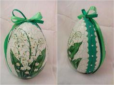 Veľkonočné vajíčka - konvalinka. Easter eggs. Points, Easter Eggs, Decoupage, Christmas Bulbs, Turkey, Holiday Decor, Style, Lab, Lily Of The Valley