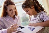 1, Kiến thức tiếng Anh tốt: Vì tiếng Anh từ lâu đã là một môn học bắt buộc trong chương trình 12 năm phổ thông