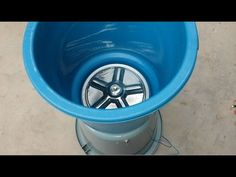This is a really awesome washing machine, can be easily made at home. It is a good machine for all students who live in hostels to wash their shirts and sock. Diy Clothes Washer, Clothes Dryer, Washing Clothes, Small Projects Ideas, Cute Diy Projects, Caravan Repairs, Building A Tiny House, Cement Crafts, Solar House