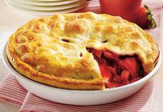 Recette Tarte aux fraises et à la rhubarbe - Coup de Pouce