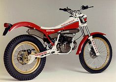 Bultaco Motorcycles, Cars And Motorcycles, Trail Motorcycle, Motos Trial, Trial Bike, Off Road Racing, Dirt Bikes, Cycling Bikes, Cool Bikes