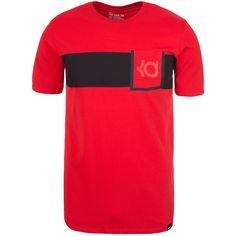 QT Kevin Durant V8 T-Shirt Herren Das Nike T-Shirt zollt dem NBA-Superstar Kevin Durant Tribut und präsentiert sich mit stylischer Brusttasche. Das Dri-FIT-Material sorgt für Trockenheit und Tragekomfort. Der Rundhalsausschnitt sorgt für eine bequeme Passform. Eine stylische Brusttasche kann auch für kleinere Wertsachen genutzt werden. Die Stay Cool Technologie hält dich auch bei Hitze a...