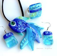 авторская работа, handmade, glass, стекло, цветное, фьюзинг, бижутерия, украшения, кулон, рыбка, Лилия Горбач