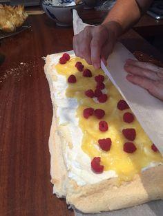 La Glicinia Gourmet: ROULADE DE MERENGUE Y CUAJADA DE LIMÓN About Me Blog, Ethnic Recipes, Food, Gourmet, Merengue, Essen, Meals, Yemek, Eten
