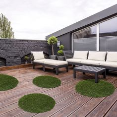 Precious Tips for Outdoor Gardens In general, almost half of the houses in the world… Artificial Turf, Raised Garden Beds, Garden Planning, Garden Projects, Garden Inspiration, Outdoor Gardens, Pergola, New Homes, Home And Garden