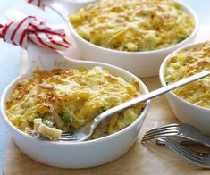 Lemon tuna mornay with peas - Rezepte Mittagessen Fish Dishes, Seafood Dishes, Pasta Dishes, Seafood Recipes, Tuna Dishes, Pasta Meals, Shellfish Recipes, Salmon Dishes, Pea Recipes