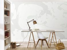 """Tapete """"Marble"""", green – Achtung: Frisch gestri…- äh – gekleckst! Aber keine Angst, hier bleibt alles am rechten Fleck. Denn dieses tolle Digitaldruckmotiv wirkt wie ein Blick in den Farbeimer. Hier erstrecken sich auf 372 cm Breite und 280 cm Höhe ineinander verlaufende Farben, die sich ihre ganz eigenen Wege suchen. In kühlem Grau, mattem Weiß und pastelligem Minze fügt sich das Gebilde in jede moderne Wohnung ein und schenkt einer Wand in Ihrem Raum einen echten Hingucker."""