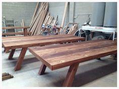 Pallet Dzine Tables for Bench Seats #naturaloakwithahintonblackjapan #palletsandroughsawntimber