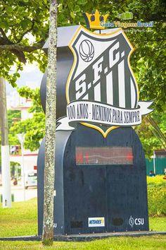 Santos é a terra de muitos astros do futebol e da música nacional. O time de Santos consagrou Pelé.  Veja mais da cidade >>> http://www.guiaviagensbrasil.com/sp/santos/