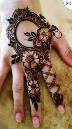 Floral Henna Designs, Henna Tattoo Designs Simple, Back Hand Mehndi Designs, Latest Bridal Mehndi Designs, Mehndi Designs Book, Modern Mehndi Designs, Mehndi Designs For Beginners, Mehndi Designs For Fingers, Design Floral